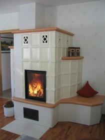 wohnen mit feuer kachel fen und kamine aus meisterhand eingang. Black Bedroom Furniture Sets. Home Design Ideas